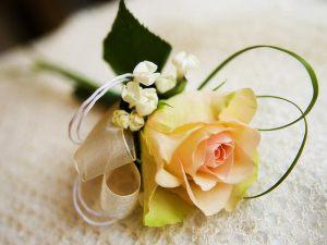 бутоньерка на свадьбу недорого цены
