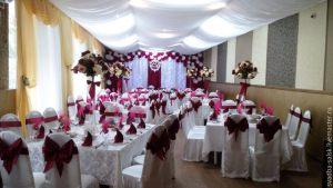 Украшение свадеб в бордовом цвете красиво
