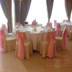 Украшение свадьбы в цвете фуксия дешево