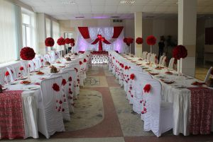 Декор свадьбы в необычном цвете дешево