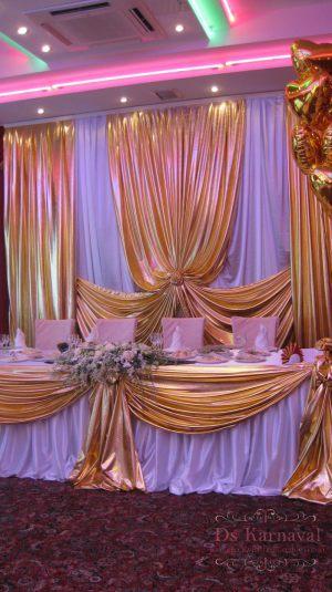 Декор свадьбы в необычном цвете недорого