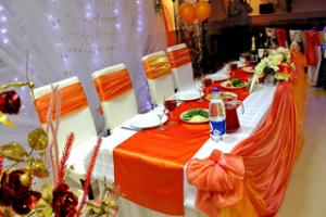 Декор на свадьбу в оранжевом цвете красиво