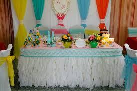 Декор свадьбы в цвете радуги оригинально