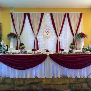 Декор на свадьбу в винном цвете красиво