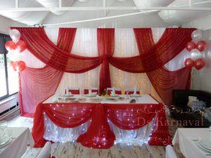 Украшение свадьбы в вишневом цвете фото