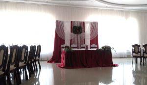 Оформление свадеб в вишневом цвете оригинально