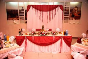 Оформление свадьбы в вишневом цвете недорого