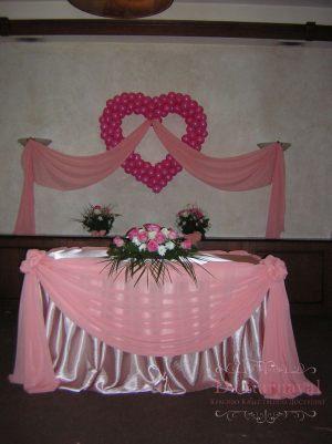 Декор свадьбы в ярком тоне оригинально