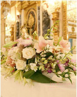 Оформление свадеб композицией цветов в вазах фото