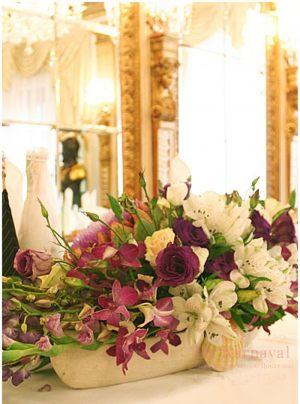 Оформление свадеб композицией цветов в вазах в Москве