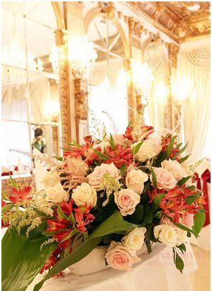 Оформление свадеб композицией цветов в вазах цены