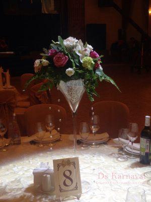 Украшение свадеб композицией цветов в бокалах недорого в Москве