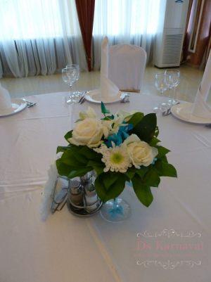 Декор на свадьбу композицией цветов в бокалах фото и цены