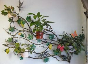Оформление свадьбы композицией цветов на стенах недорого