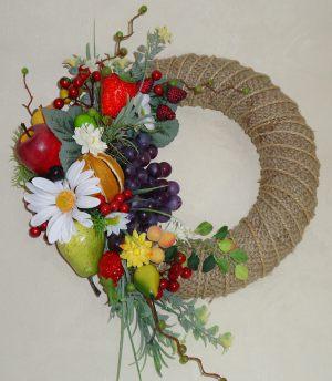 Оформление на свадьбу композицией цветов на стенах недорого