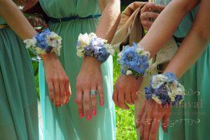 браслеты из цветов для подружек невесты для свадеб фото