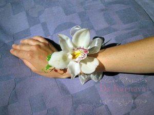 браслеты из цветов для подружек невесты на свадьбу фото и цены