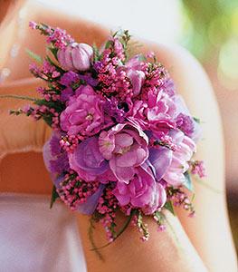 браслеты из цветов для свадьбы красиво