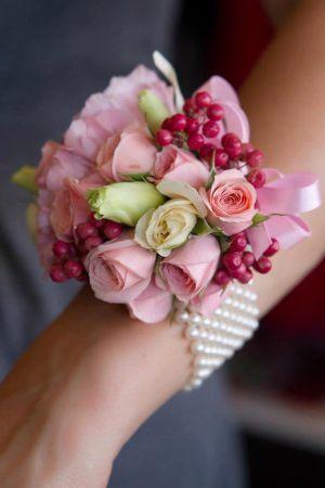 браслеты из цветов для подружек невесты на свадьбу в Москве