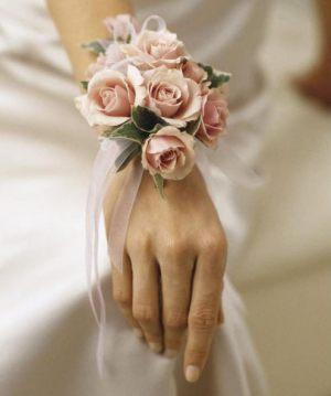 браслеты из цветов для подружек невесты для свадьбы оригинально