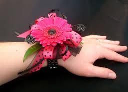 браслеты из цветов на свадьбу красиво
