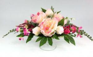 Оформление свадеб композицией из искусственных цветов в Москве