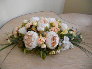 Декор на свадьбу композицией из искусственных цветов недорого в Москве
