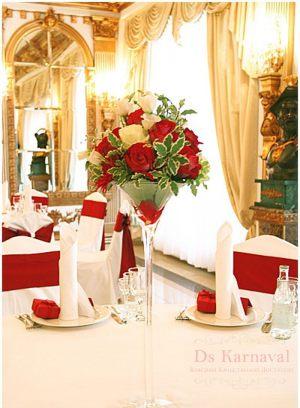 Оформление свадеб маленькой композицией цветов недорого цены