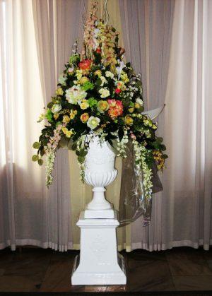 Украшение свадьбы напольной композицией цветов фото и цены