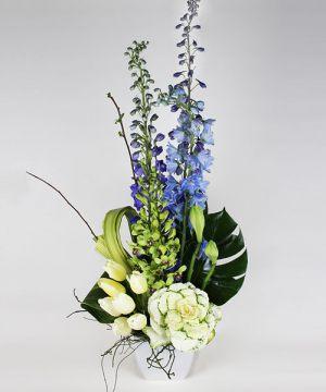 Украшение свадеб напольной композицией цветов фото