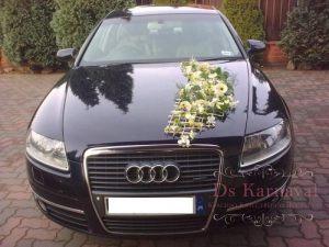 Украшение машины цветами к свадьбе оригинально