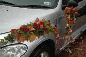 Оформление машины цветами к свадьбе оригинально