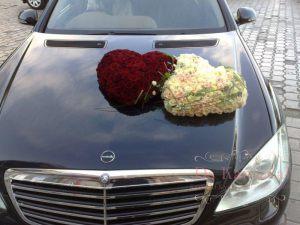Декор машины цветами к свадьбе дешево