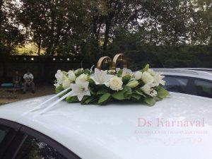 Украшение машины цветами на свадьбу оригинально