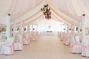 Украшение шатра для свадьбы в Москве