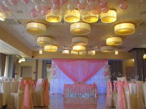Оформление банкетного зала на свадьбу дешево