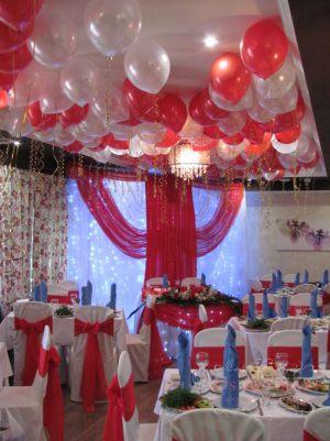 Украшение банкетного зала на свадьбу красиво