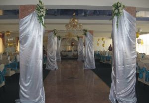 Декор колонн для свадеб фото