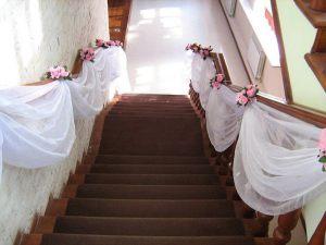 Декор лестницы для свадеб фото