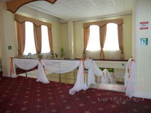 Декор лестницы для свадеб недорого