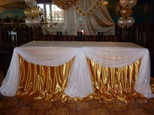 Оформление стола молодых тканью для свадьбы цены