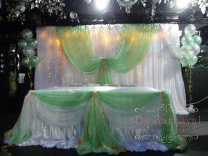 Декор стола молодых тканью на свадьбу недорого цены