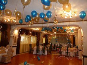 Декор на свадьбу шарами в Москве